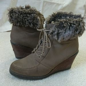 Cute wedge boots for winter